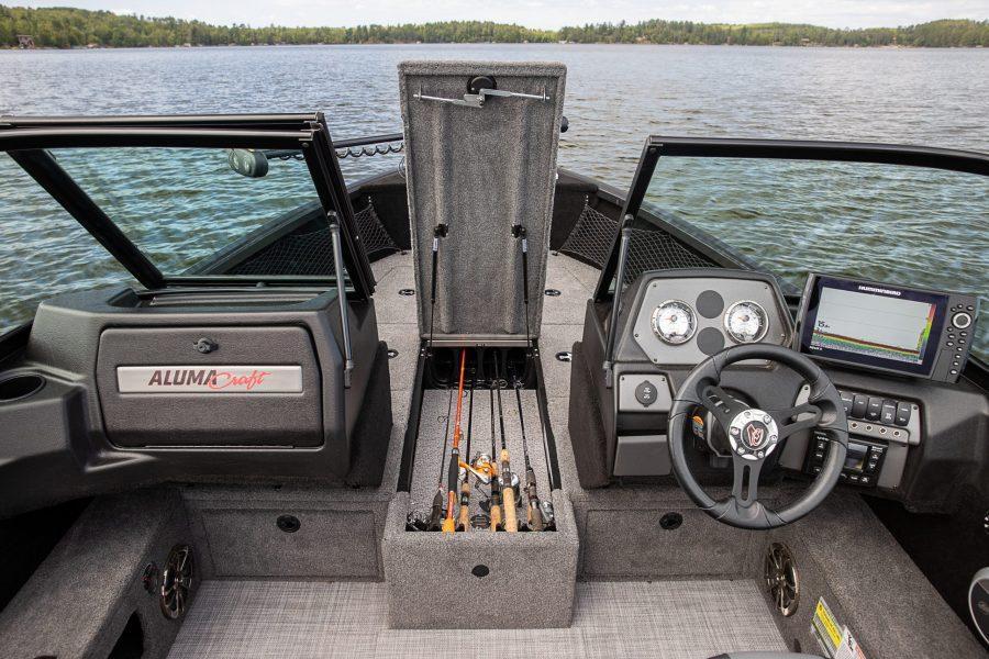 Competitor-175-Sport-Shadow-Bow-Rod-Storage